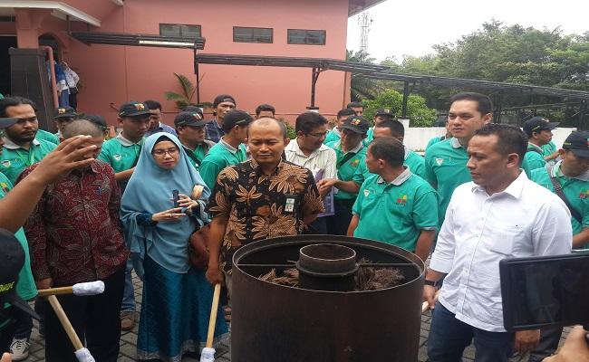Samade Dorong Pembuatan Arang Briket Dari Tankos Sawit ...